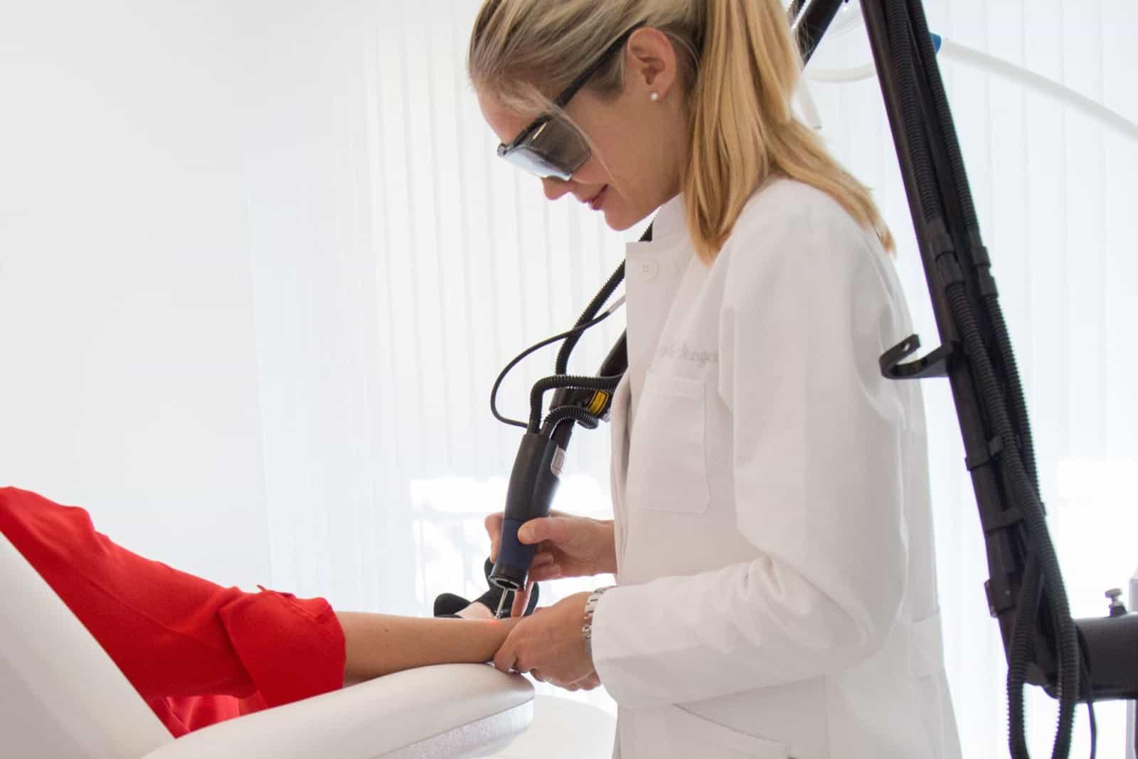 Dr. MoniqueStengel, Lasertherapie